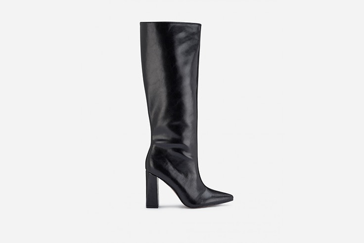 bota negra de caña alta de marypaz Aretha Fusté
