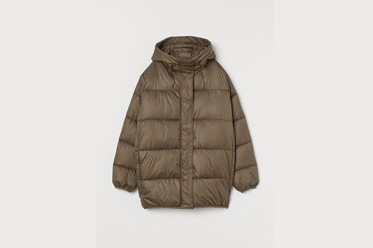 chaqueta acolchada verde caqui con capucha de H&M prendas para el frío