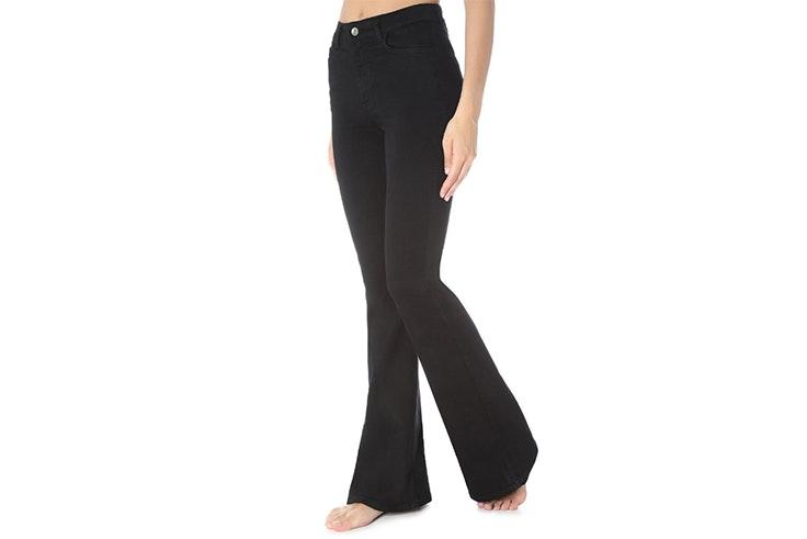 Pantalón flare en color negro de Calzedonia