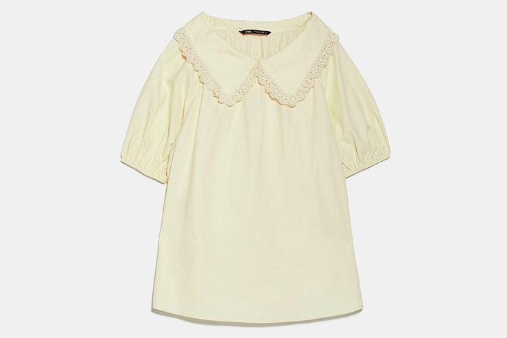 Blusa de cuello bobo y manga corta abullonada amarilla pastel zara
