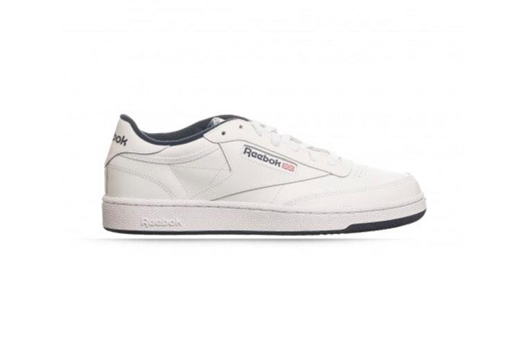 Zapatillas blancas de Reebook. Disponibles en la zapatería RKS