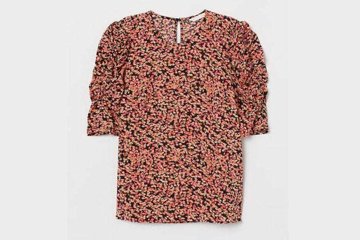 Blusa con estampado de flores y mangas abullonadas de H&M