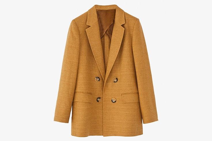 Chaqueta americana en color marrón con doble botonadura de Massimo Dutti
