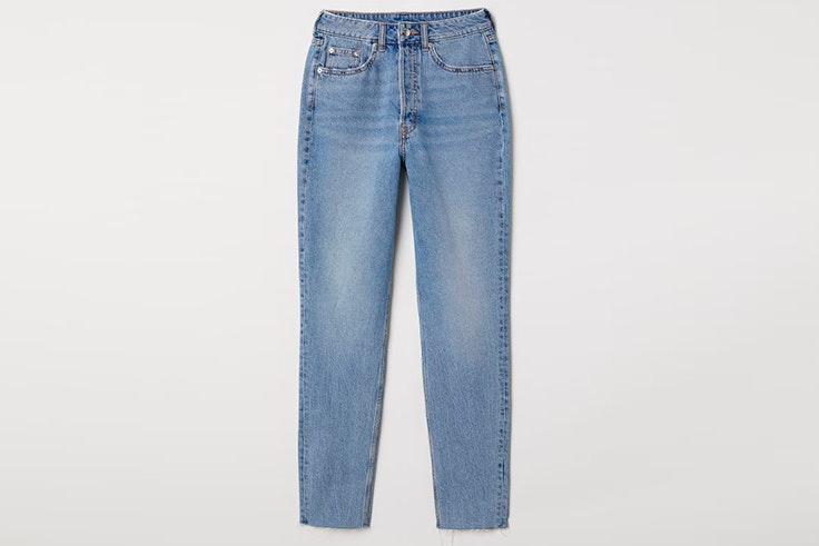 Pantalón vaquero con bajo deshilachado de H&M