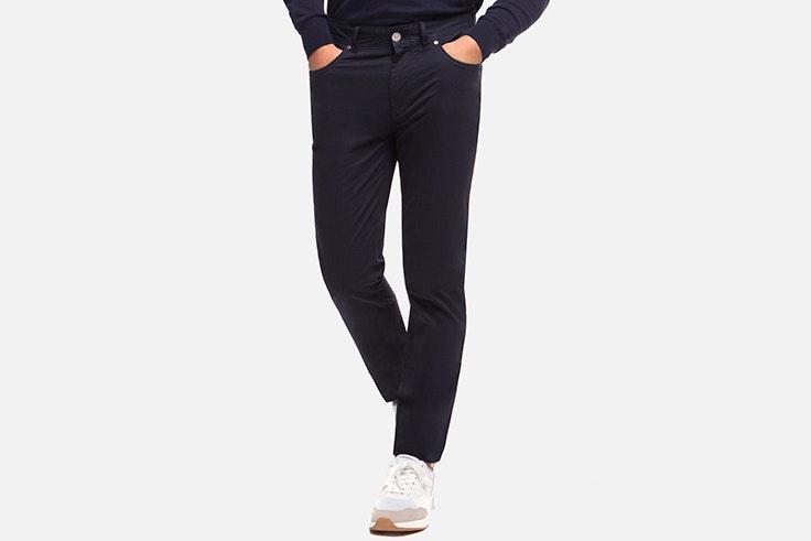 Pantalón negro de Álvaro Moreno