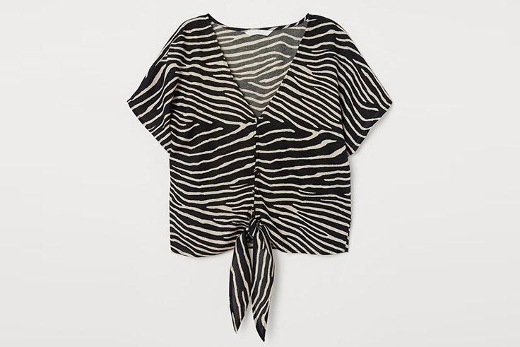 Blusa con estampado de cebra de H&M blusas favoritas de las influencers