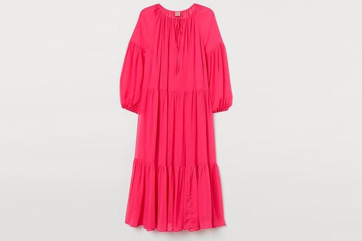 Vestido largo y vaporoso en color fucsia de H&M