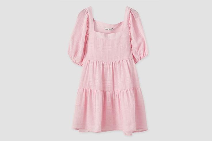 Vestido babydoll con escote caja en rosa de Pull & Bear