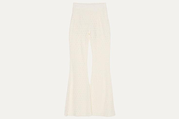 Pantalón calado en color blanco de Bershka