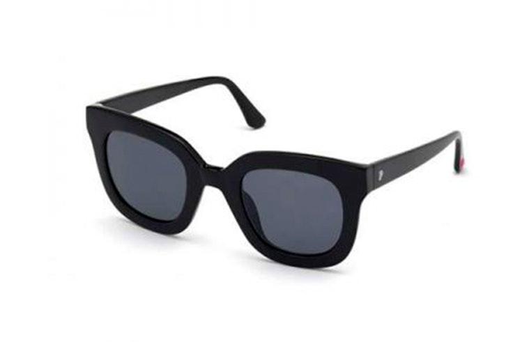 Gafas de sol en color negro disponibles en Soloptical