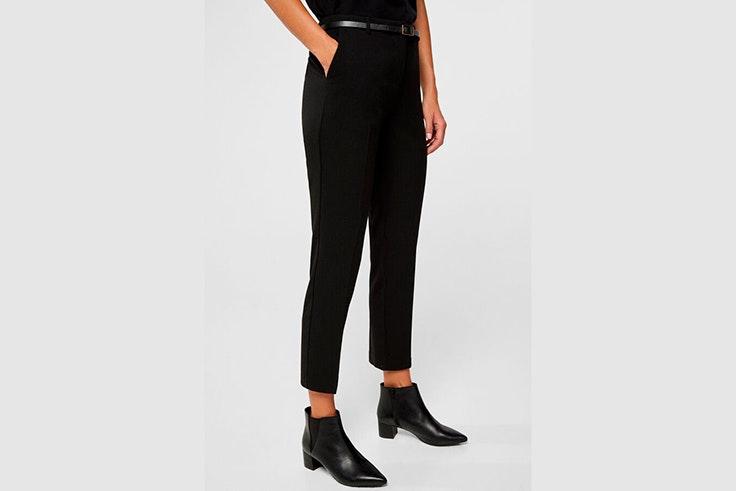 Pantalón de traje en color negro de Cortefiel