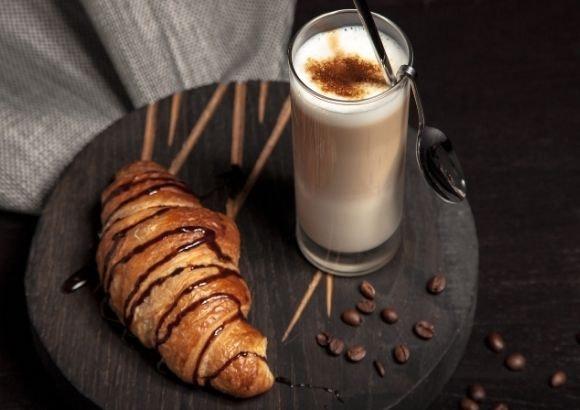Café y dulce