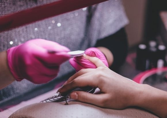 manicura colombiana