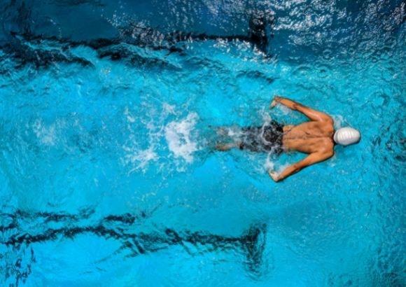 deporte natación verano