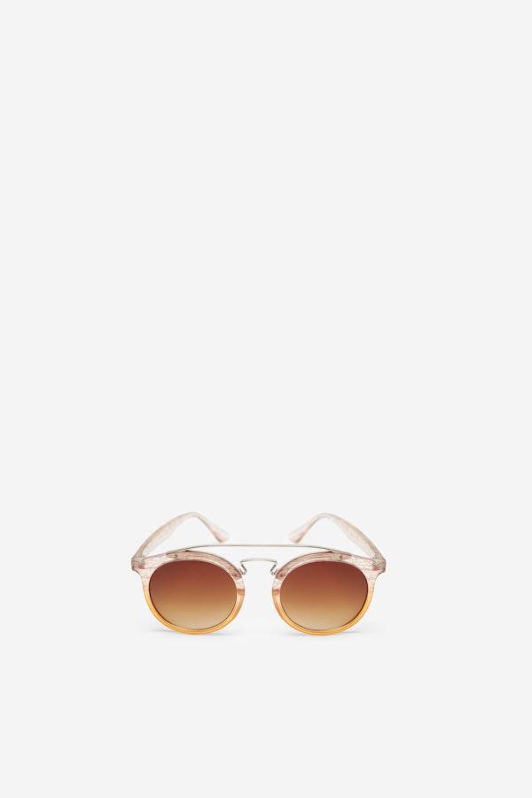 530a4559b Já escolheu os seus óculos de sol para este verão? - Centro Vasco da ...