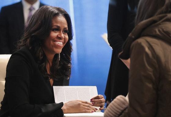 """Becoming"": O novo livro intimista de Michelle Obama"