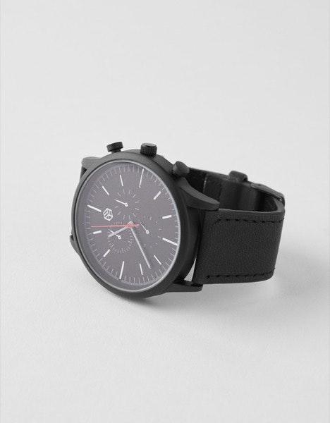 Relógio Bershka, 15,99€