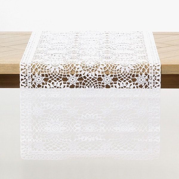 Caminho de mesa crochet A Loja do Gato Preto, 4,95€