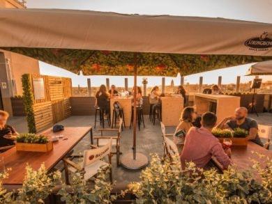 Música, cocktails e sunset? Sim, no nosso Rooftop!