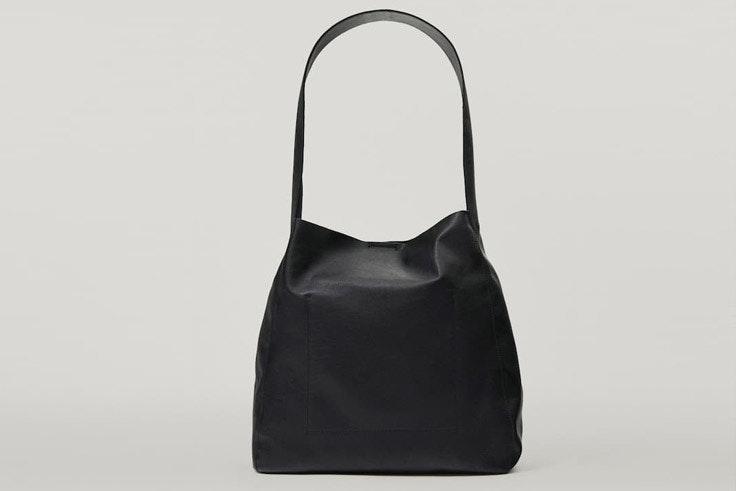 Bolso negro de Massimo Dutti