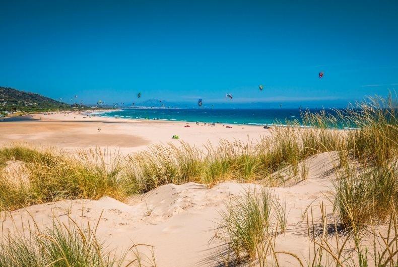 Este verano disfruta de lasmejores playas de Cádiz