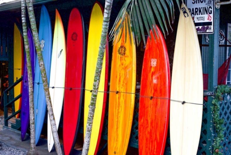 El equipamiento básico para empezar a practicar surf