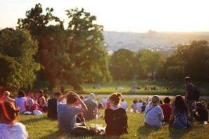 ALEXA-Tipps für die Grillparty: Im Park grillen