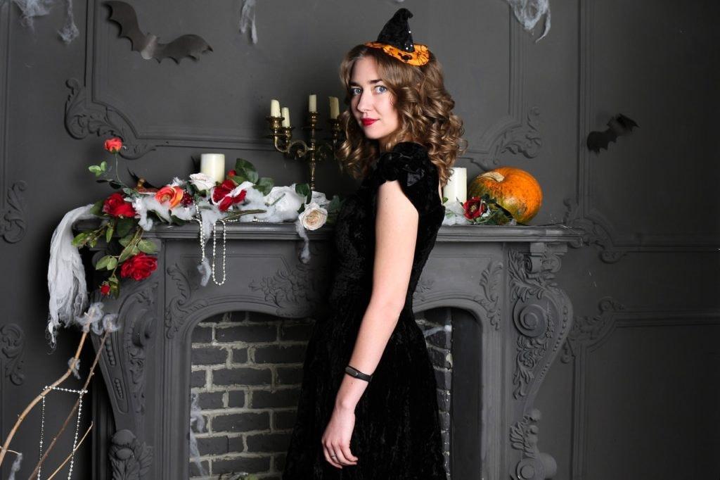 Das kleine Schwarze – Tipps vom ALEXA Berlin für Halloween-Kostüme