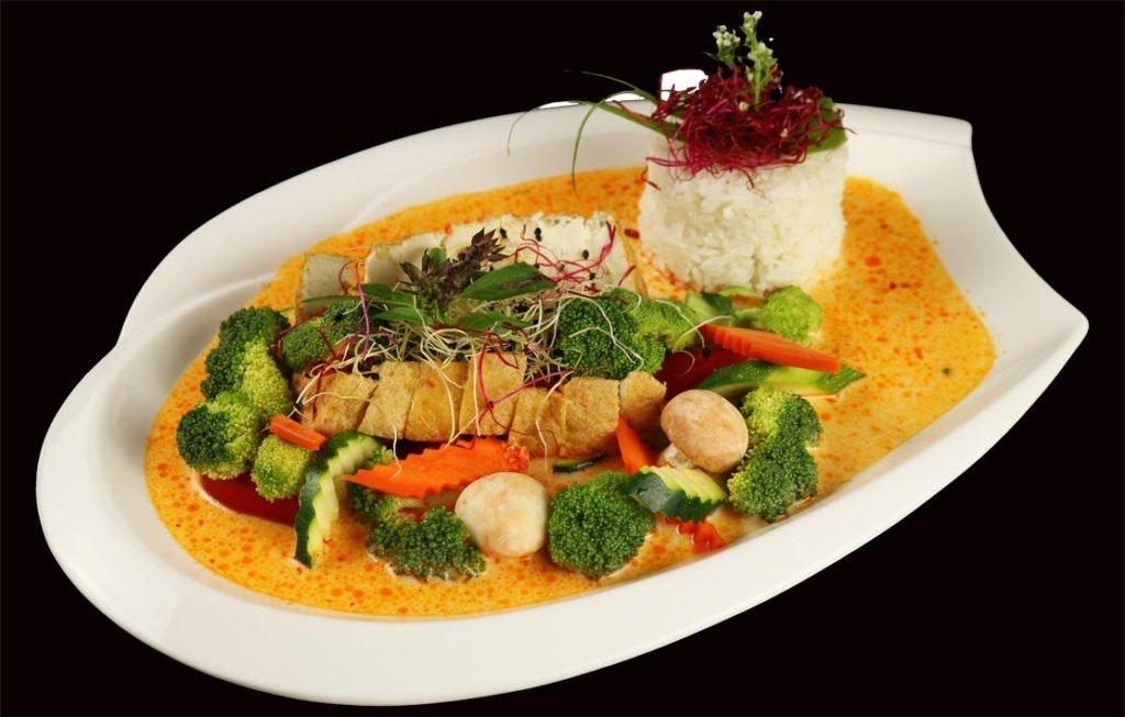 Curry Soße mit Bio-Tofu - curry sauce with organic tofu - ca ri dau phu huu co.jpg