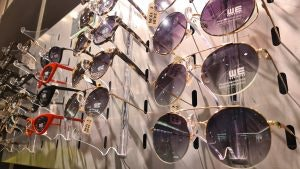 Sonnenbrillen von WE im Alexa Berlin