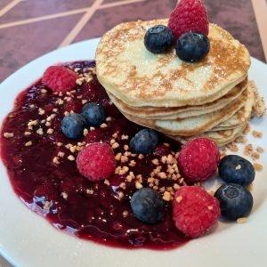 Pancakes im Barachel Cafe, Sommergarten ALEXA Berlin